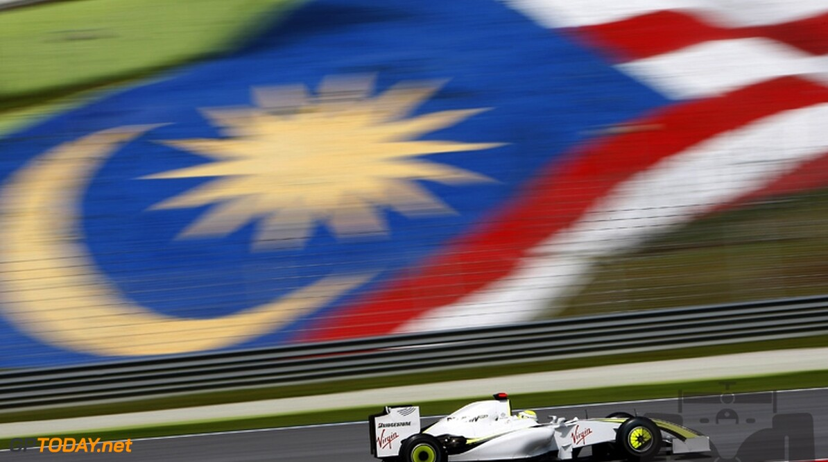 Button pakt pole position in Maleisië