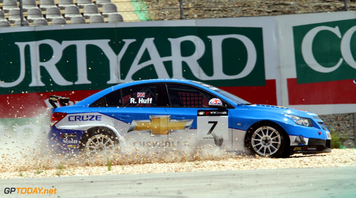 Rob Huff pakt pole position voor eerste race in Macau