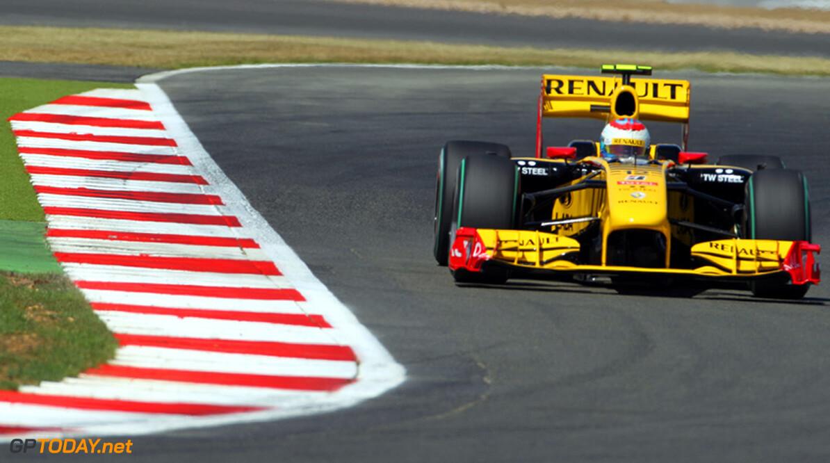 Renault vol lof over Petrov na puntje in Duitsland