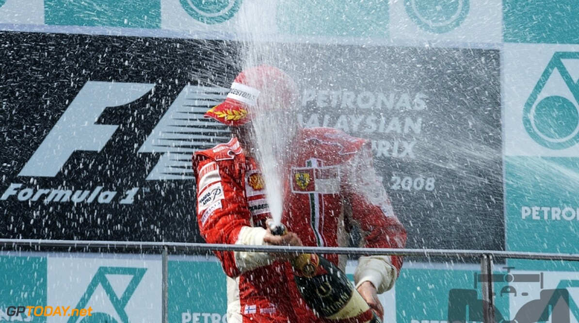 Raikkonen blijft koel en wint droge Maleisische Grand Prix