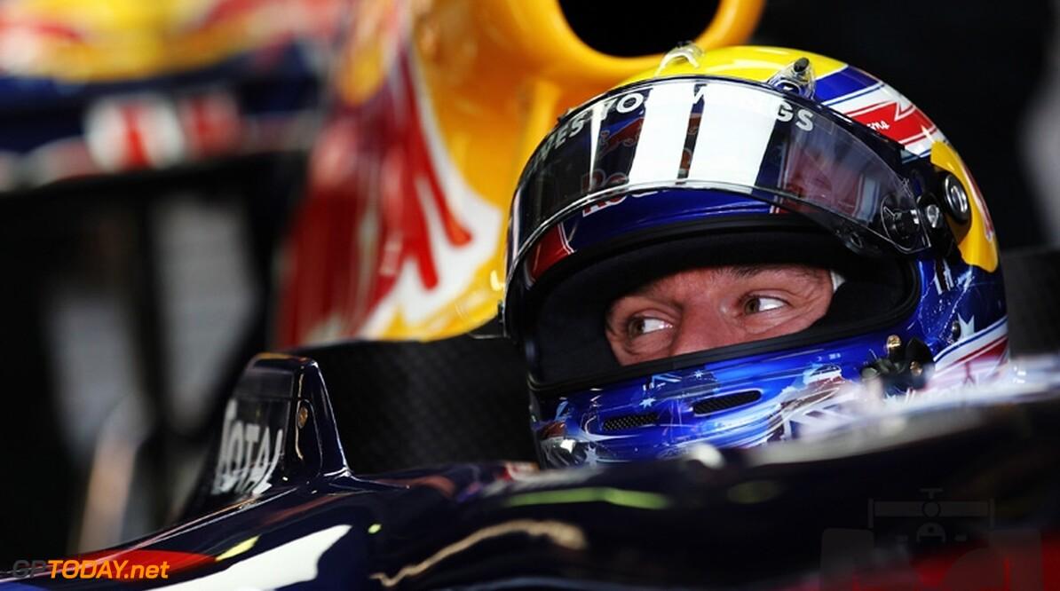Mark Webber op intermediates naar dominante pole position