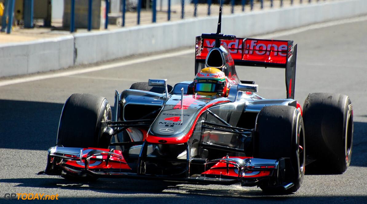 Lewis Hamilton tevreden met positieve start van McLaren