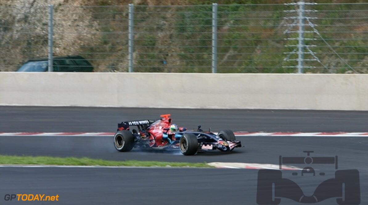 Scuderia Toro Rosso begint 2008 wellicht met oude auto