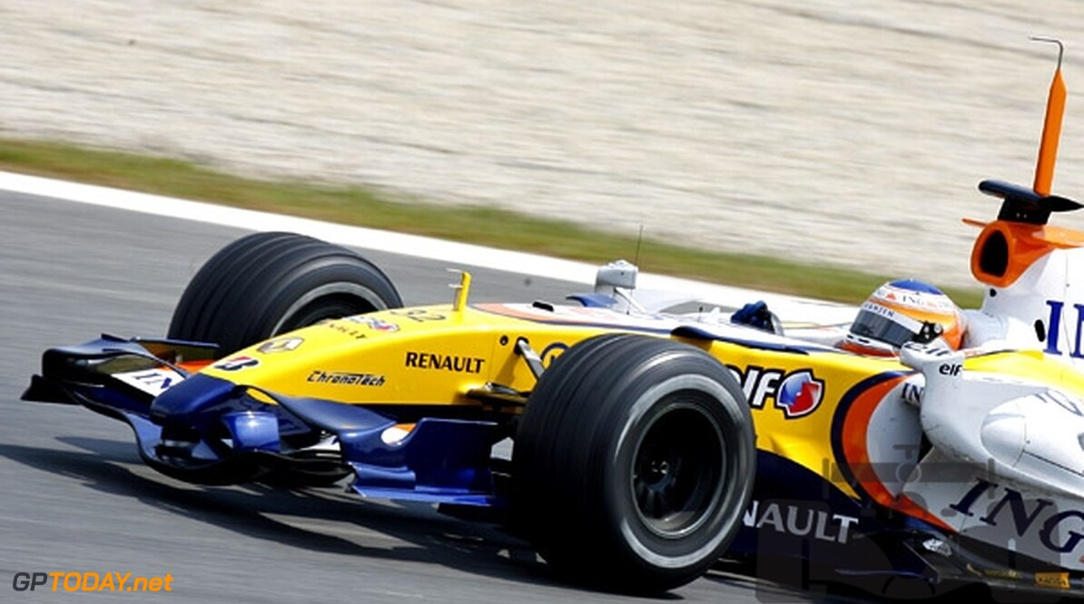 Flavio Briatore vol lof over Nelson Piquet Junior