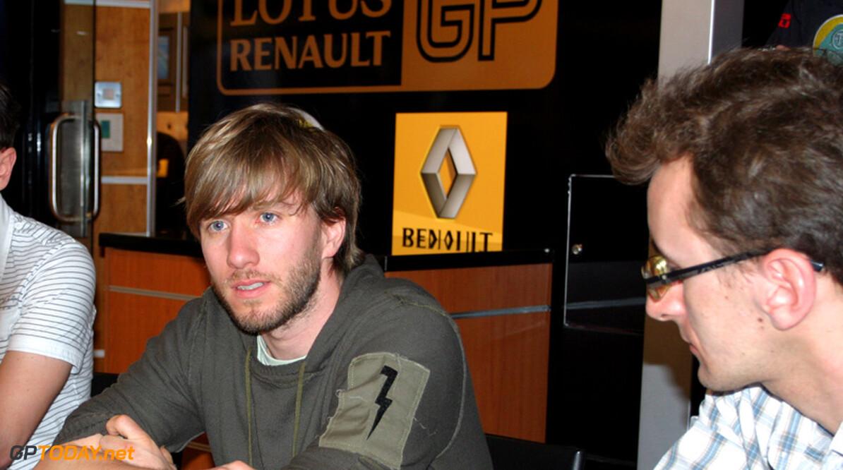 Nick Heidfeld test zaterdag en zondag voor Lotus Renault GP
