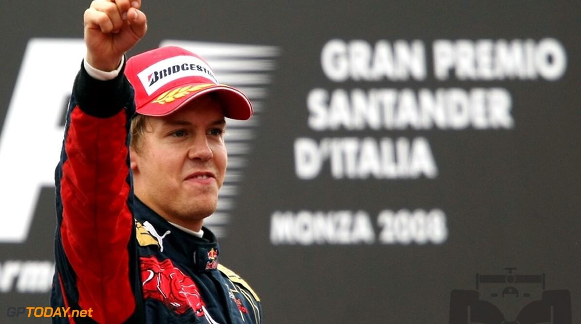 Supertalent Vettel schrijft historie met zege op nat Monza