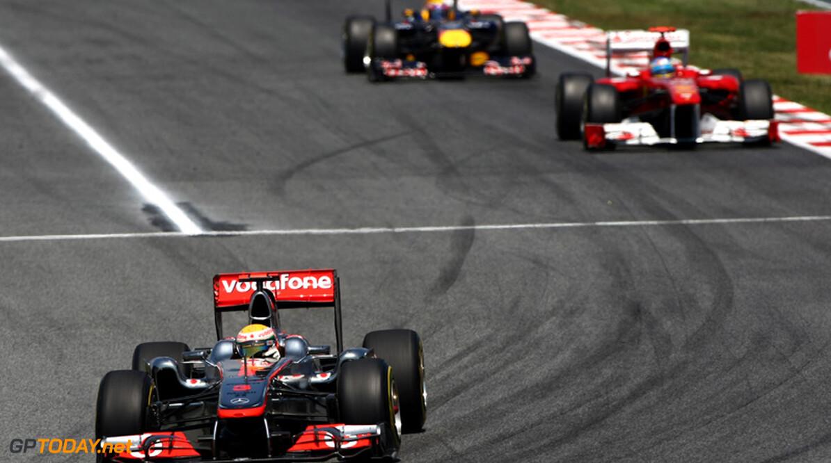 Hamilton en Alonso gooien handdoek in de ring in titelstrijd