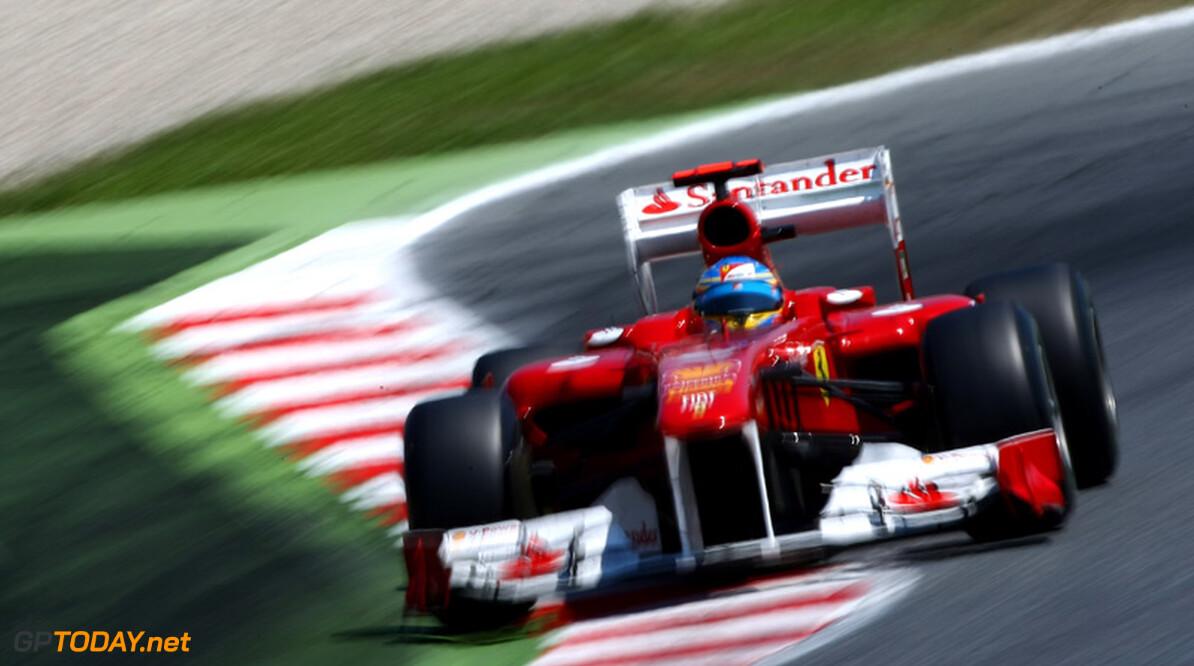 "Fernando Alonso: ""Red Bull blijft favoriet voor de pole position"""