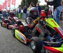 VIDEO: Mega-crash in Europees Kampioenschap Karting van de FIA: asfalt spiegelglad