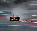 Sebastian Vettel bovenaan op opdrogende baan