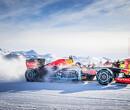 Verstappen vermaakt zich in Oostenrijkse sneeuw