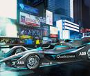 Rosberg kruipt in Gen2-auto voor demo in Berlijn