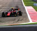 George Russell pakt titel in Formule 2 met zege, De Vries net buiten podium