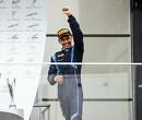 Dominante zege voor Albon in Rusland, De Vries valt terug naar P3
