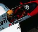 Ayrton Senna met volle vaart over Suzuka