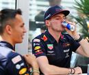 Max Verstappen op achterstand in teamduel met Alexander Albon