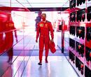 Ferrari's rijden elkaar uit de race