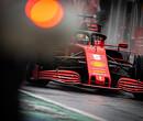 Sebastian Vettel in gesprek met Toto Wolff