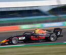 <strong>Feature Race:</strong> Lawson holds off Piastri to win at Silverstone