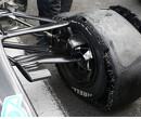 Extreme downforce zorgde voor lekke banden van Mercedes