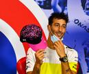 """Ricciardo: """"Knap gedaan Nico Hulk maar na 10 ronden heeft hij pijn aan zijn nek!"""""""