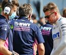 De seatfitting van Nico Hülkenberg bij Aston Martin F1 Team
