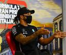"""Lewis Hamilton kookt van woede: """"Ik ga een pittig gesprek voeren met het team"""""""