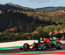 Max Verstappen spint op glad circuit in Portugal