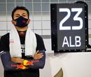 """Albon zag crash Grosjean vanuit cockpit: """"Mijn maag draaide om toen ik de vlammen zag"""""""