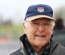 Eerbetoon aan Murray Walker op de halo van Williams in Bahrein