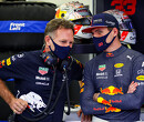 """Horner: """"Wagen van Max Verstappen heeft door de stad Imola rondjes gereden"""""""