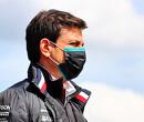 """Toto Wolff ziet voordelen Red Bull: """"Met name Sergio Perez op de zachte banden"""""""