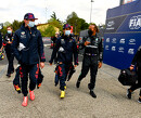<b>BREAKING:</b> Start GP Emelia Romagna zeiknat, coureurs starten op regenbanden!