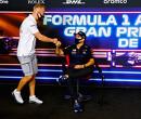 Nikita Mazepin verbaast vriend en vijand: Hij knielt vooraf aan Spaanse GP