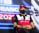 """De zaag gaat in de stoelpoten van Kimi Raikkonen: """"Wat hij deed was een schande"""""""