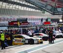 Van der Linde pakte derde zege van seizoen op Nurburgring en loopt verder uit in kampioenschap