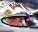 <strong> VT1 Britse F1 GP: </strong> Verstappen rijdt Hamilton en Mercedes direct op grote achterstand op Silvestone