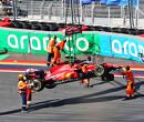 """Sainz crasht opvallend veel: """"Laat zien dat ik mij nog niet helemaal thuis voel in de auto"""""""