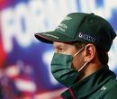 Vettel rijdt in Turkije met speciale helm om aandacht te vragen voor de oceanen