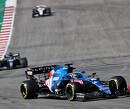 """Fernando Alonso gefrustreerd en puntloos in Amerika: """"Achtervleugel was naar achter gebogen"""""""