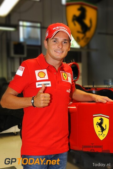 Seatfitting Giancarlo Fisichella - Ferrari