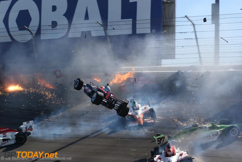 Dodelijke crash Dan Wheldon - 16 oktober 2011