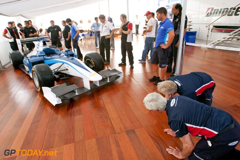 GP2 presenteert nieuwe auto, de GP2/11