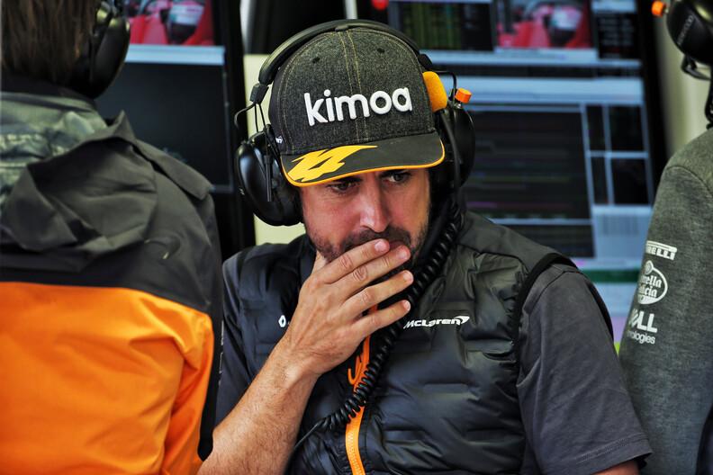 """Verstappen: """"Alonso zou nog steeds mee kunnen doen om wereldtitel in F1"""""""
