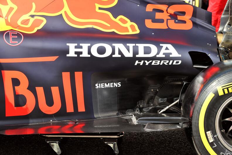 Mercedes suggereert dat Honda-motor is aangepast op aandringen van FIA
