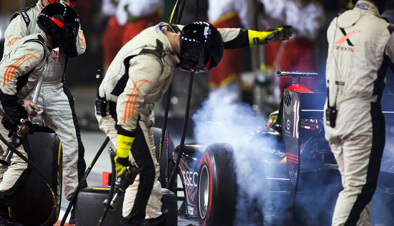 2017 FIA Formula 2 Round 11. Yas Marina Circui...