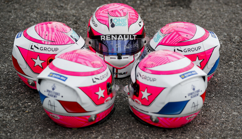 FIA Formula 2 SOCHI AUTODROM, RUSSIAN FEDERATION - SEPTEMBER 26: Tribute Helmet worn by FIA Formula 2 drivers Jack Aitken (GBR, CAMPOS RACING), Guanyu Zhou (CHN, UNI VIRTUOSI), and FIA Formula 3 drivers Max Fewtrell (GBR, ART Grand Prix) Ye Yifei (CHI, Hitech Grand Prix) Christian Lundgaard (DNK, ART Grand Prix) during the Sochi at Sochi Autodrom on September 26, 2019 in Sochi Autodrom, Russian Federation. (Photo by Carl Bingham / LAT Images / FIA F2 Championship) FIA Formula 2 Carl Bingham  Russian Federation  tribute helmet