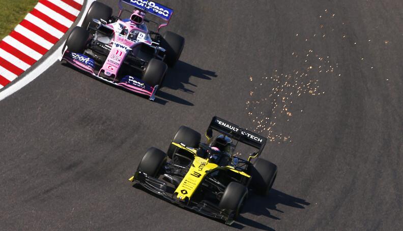Daniel Ricciardo, Renault R.S.19 and Sergio Per...