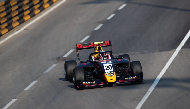 FIA Formula 3 CIRCUITO DA GUIA, MACAU - NOVEMBER 15: Liam LAWSON (NZL, MP MOTORSPORT) during the Macau GP at Circuito da Guia on November 15, 2019 in Circuito da Guia, Macau. (Photo by Joe Portlock) FIA Formula 3 Joe Portlock  Macau  FIA Formula 3