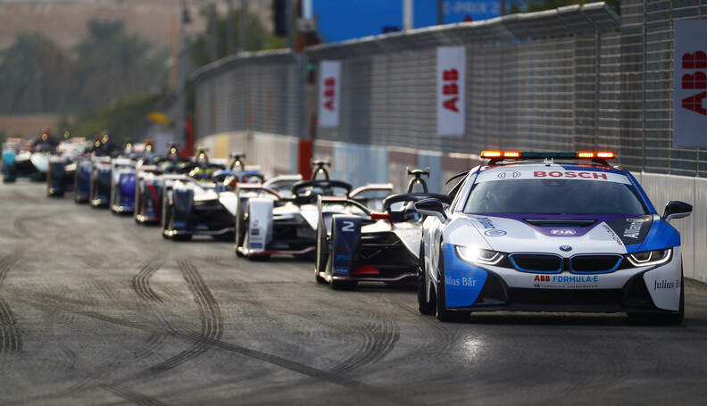 The Safety Car leads Sam Bird (GBR), Envision V...